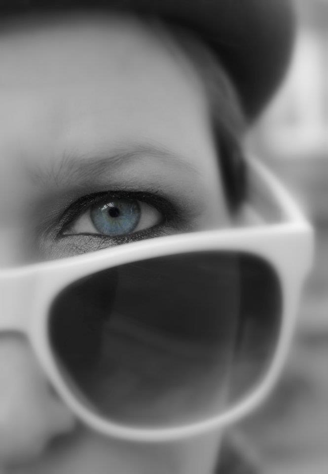 Loving eye